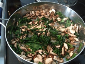 Spinach, mushrooms and garlic for the omelette