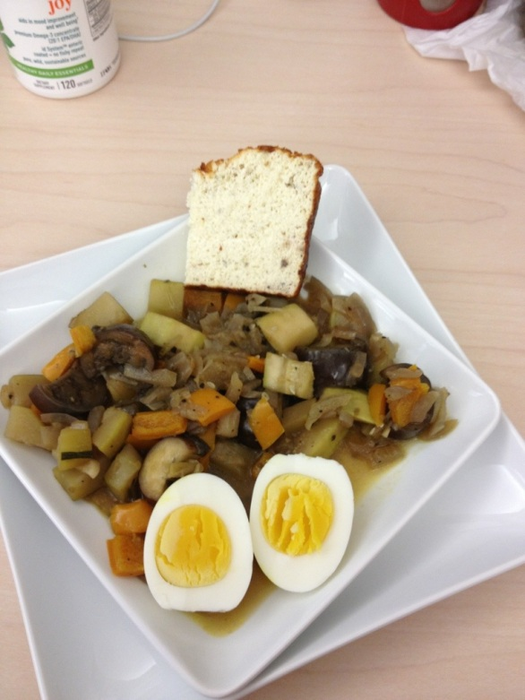 Breakfast: ratatouille, one egg and 1/2 slice of bread